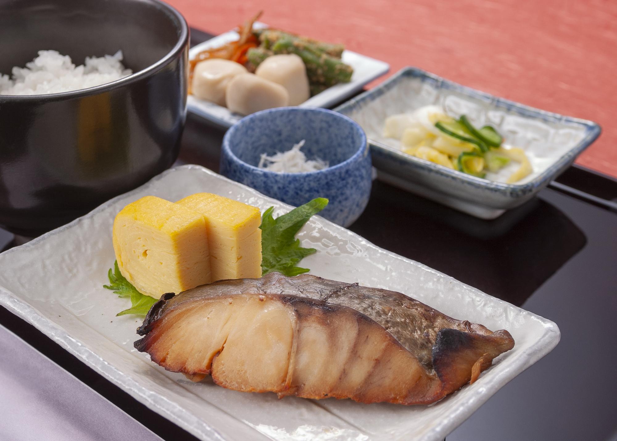 鰆(さわら)の旬と名前の由来|日本料理(和食)・しゃぶしゃぶ ...